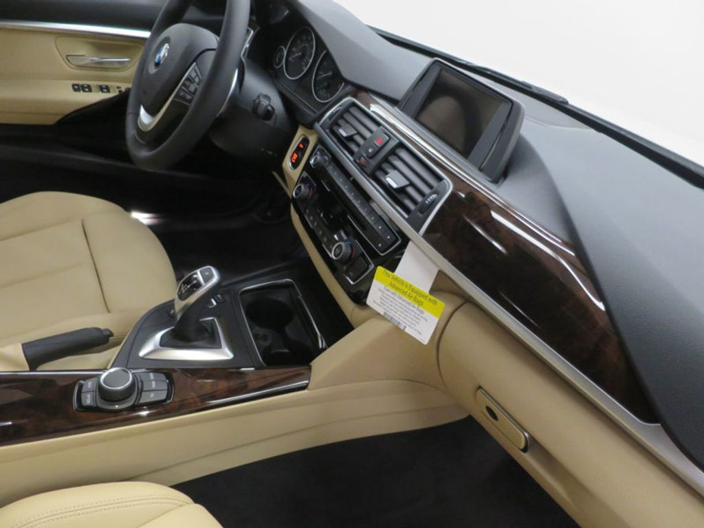2017 BMW 3 Series 330i - 15754680 - 28
