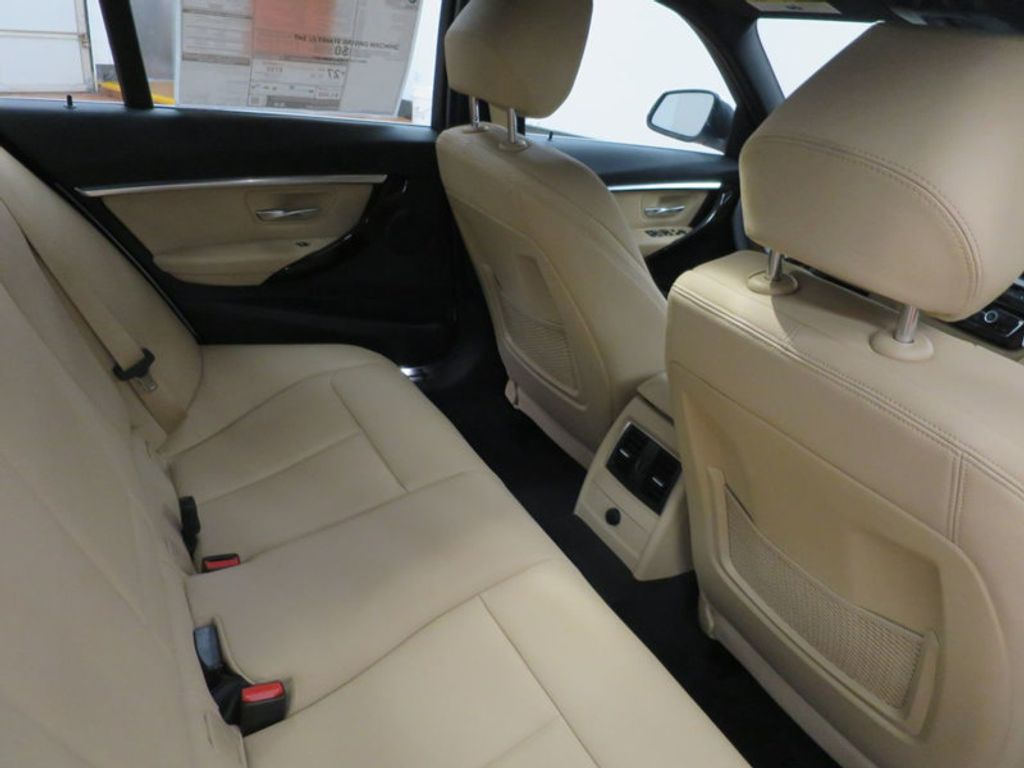 2017 BMW 3 Series 330i - 15754680 - 33