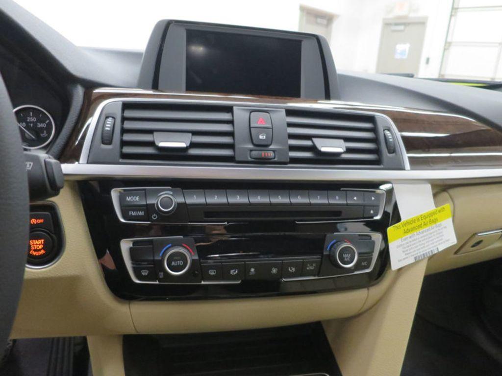 2017 BMW 3 Series 330i - 15754680 - 45