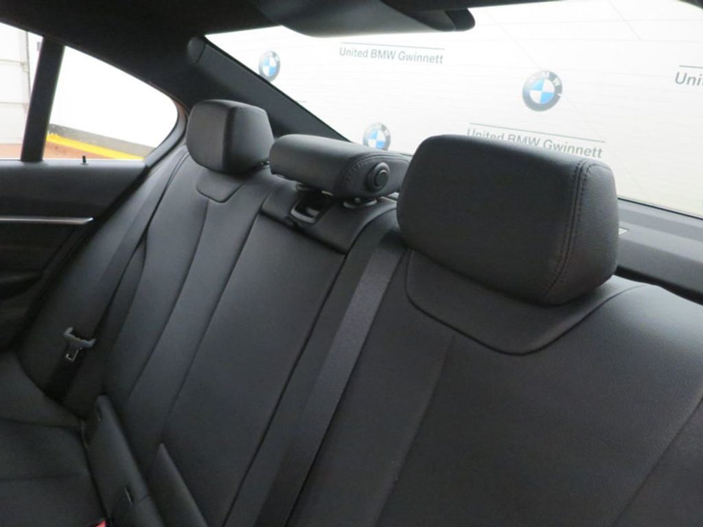 2017 BMW 3 Series 330i - 15835116 - 18