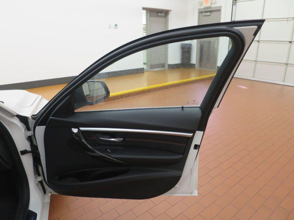 2017 BMW 3 Series 330i - 15835116 - 19