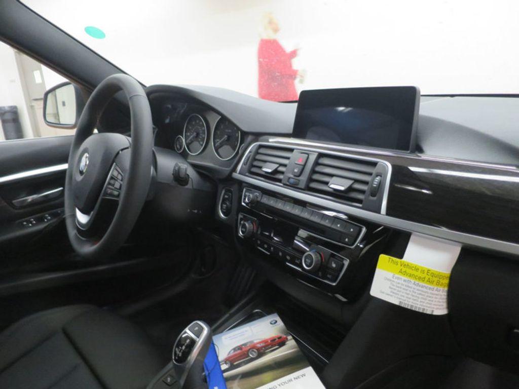 2017 BMW 3 Series 330i - 15835116 - 25