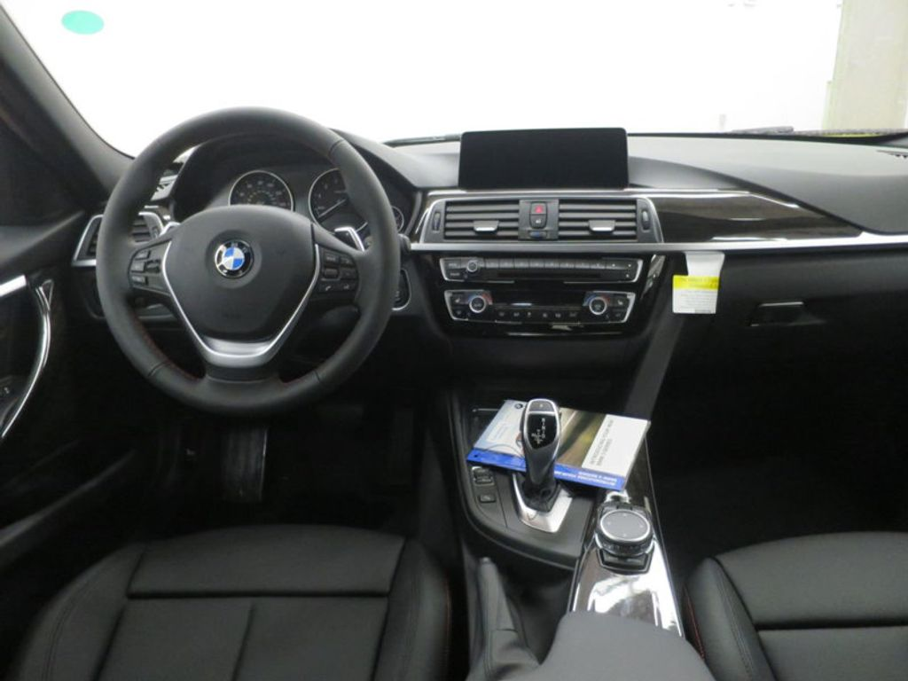 2017 BMW 3 Series 330i - 15835116 - 33