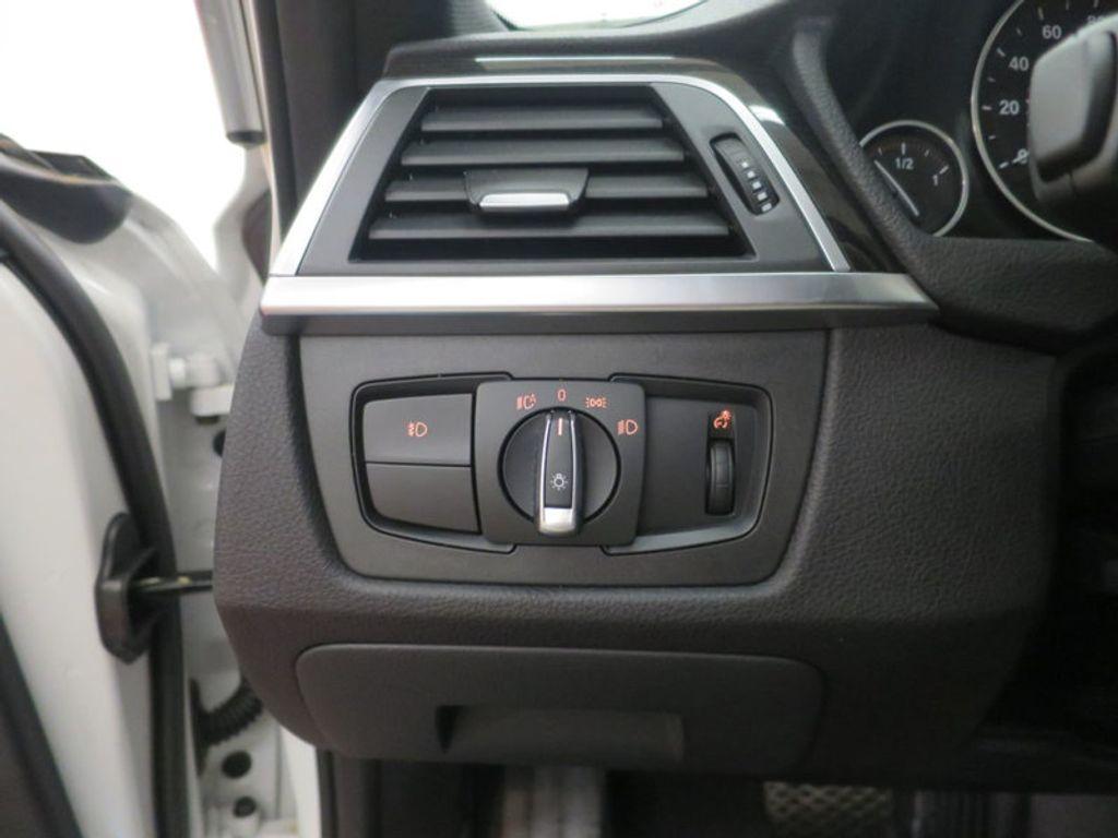 2017 BMW 3 Series 330i - 15835116 - 36
