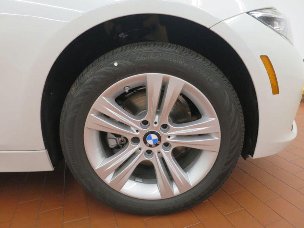 2017 BMW 3 Series 330i - 15835116 - 3