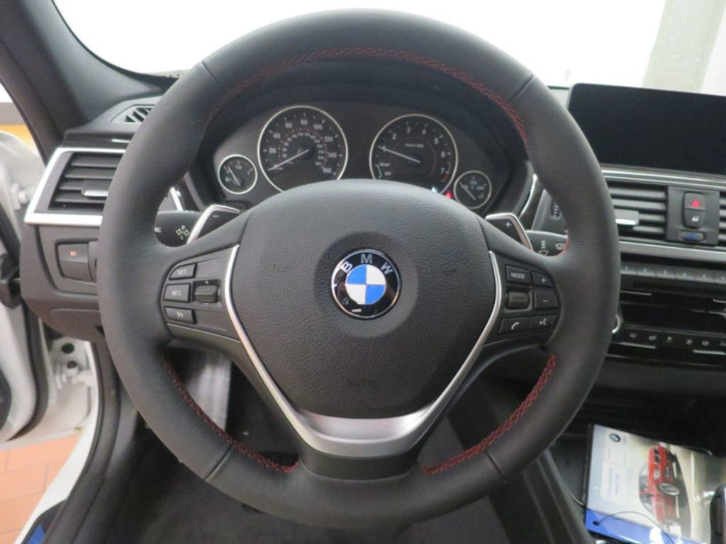 2017 BMW 3 Series 330i - 15835116 - 39