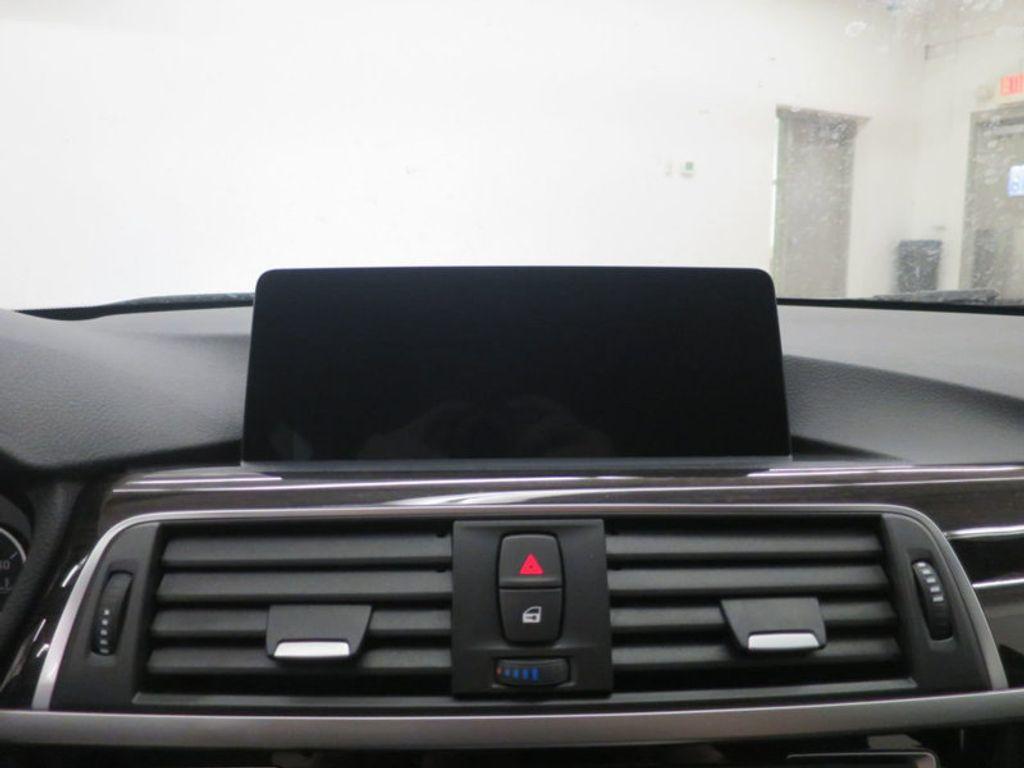 2017 BMW 3 Series 330i - 15835116 - 41