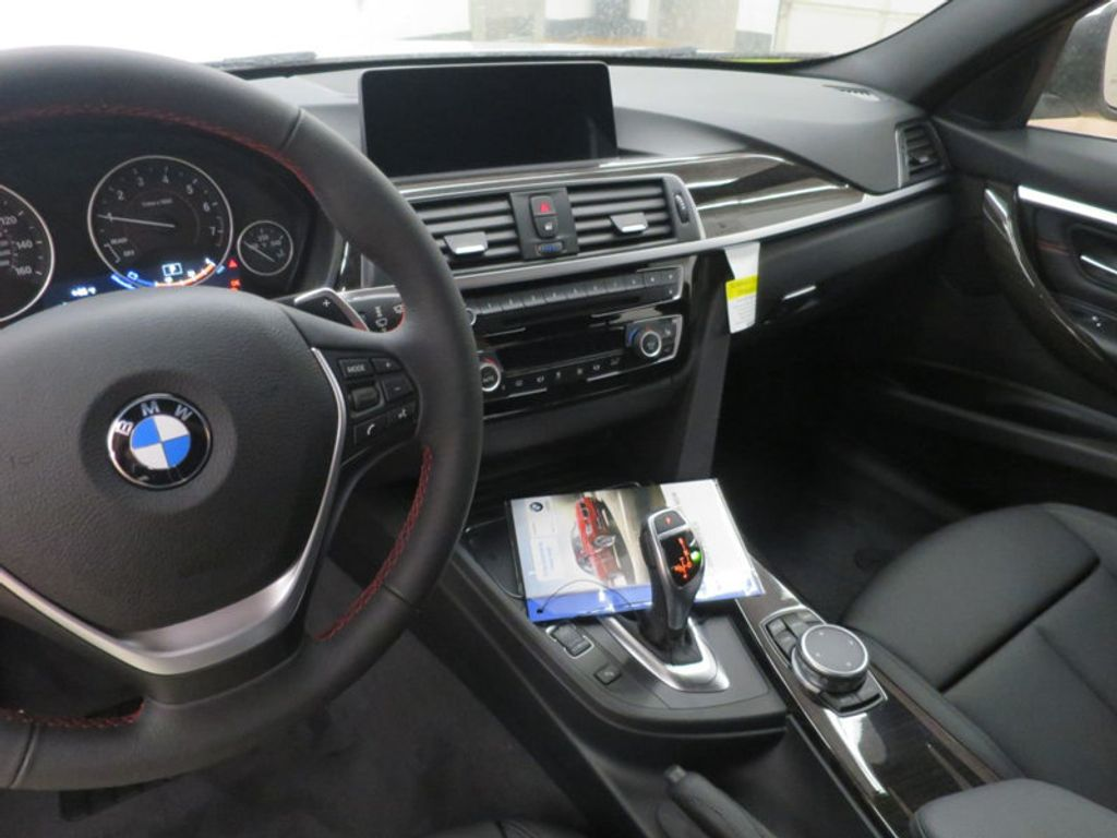 2017 BMW 3 Series 330i - 15835116 - 43