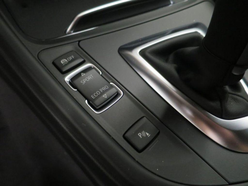 2017 BMW 3 Series 330i - 15835116 - 45