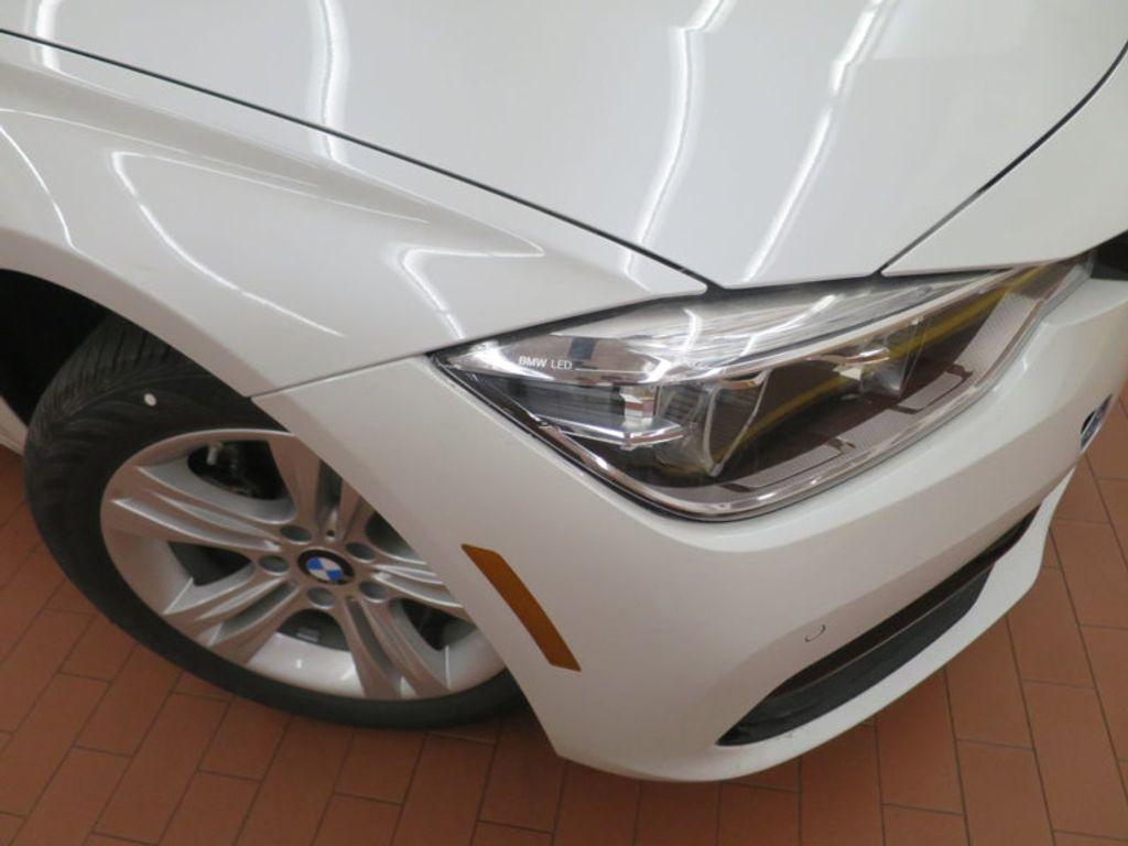 2017 BMW 3 Series 330i - 15835116 - 4