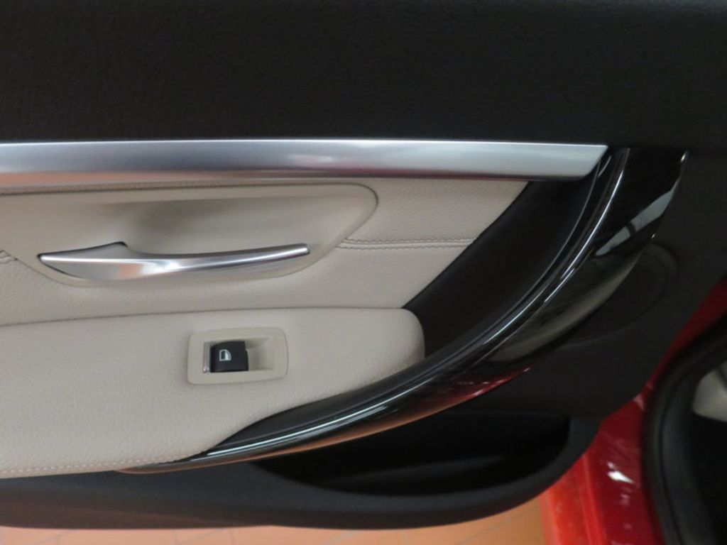 2017 BMW 3 Series 330i - 15835118 - 19