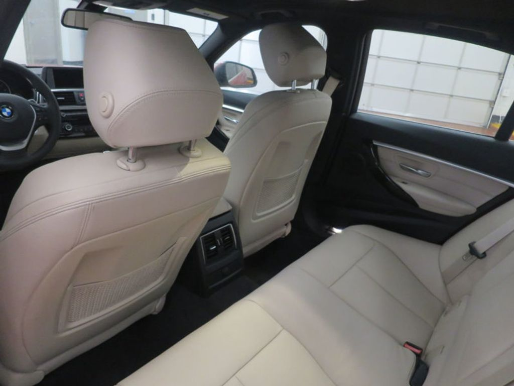 2017 BMW 3 Series 330i - 15835118 - 20