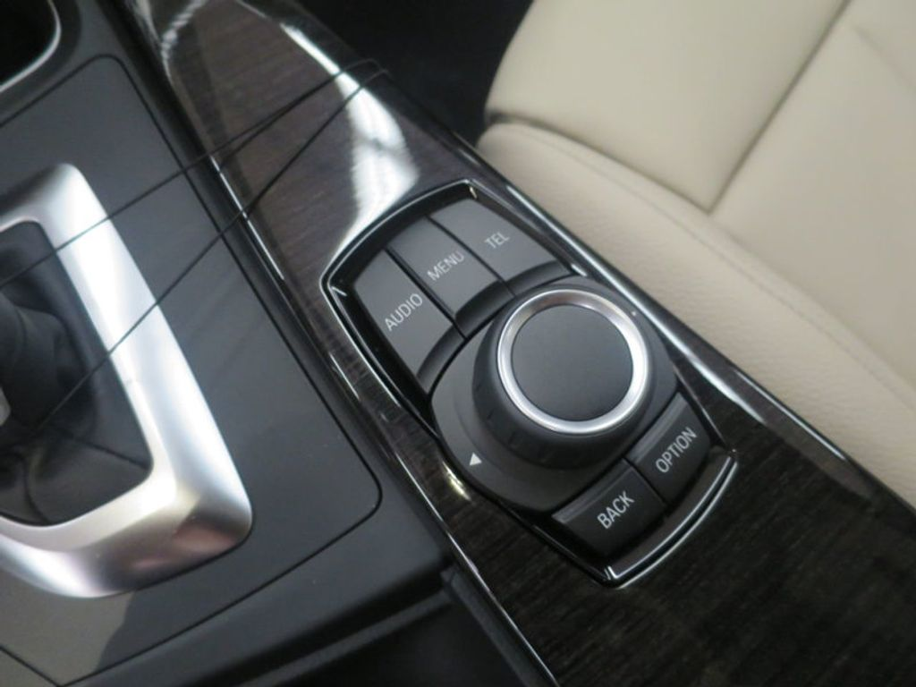 2017 BMW 3 Series 330i - 15835118 - 45