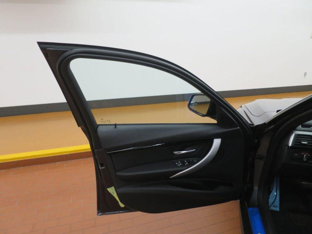 2017 BMW 3 Series 330i - 16564069 - 10