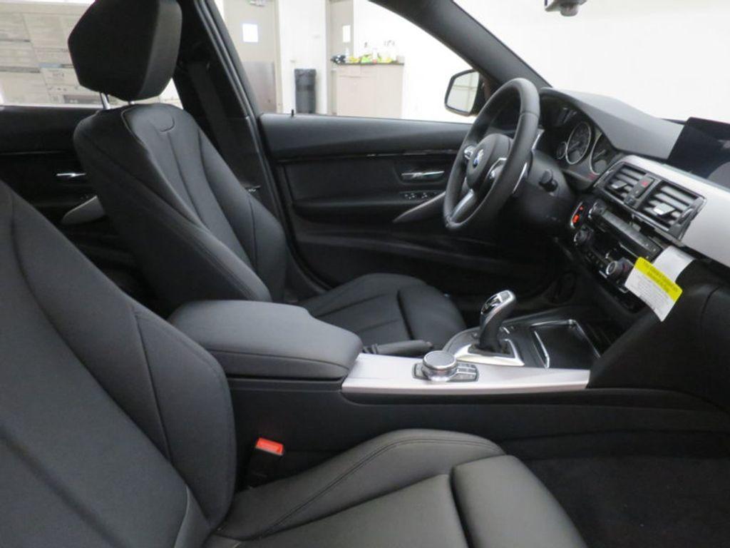 2017 BMW 3 Series 330i - 16564069 - 21