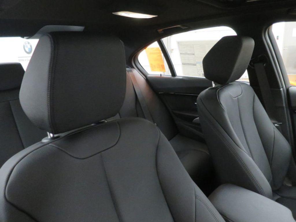 2017 BMW 3 Series 330i - 16564069 - 23