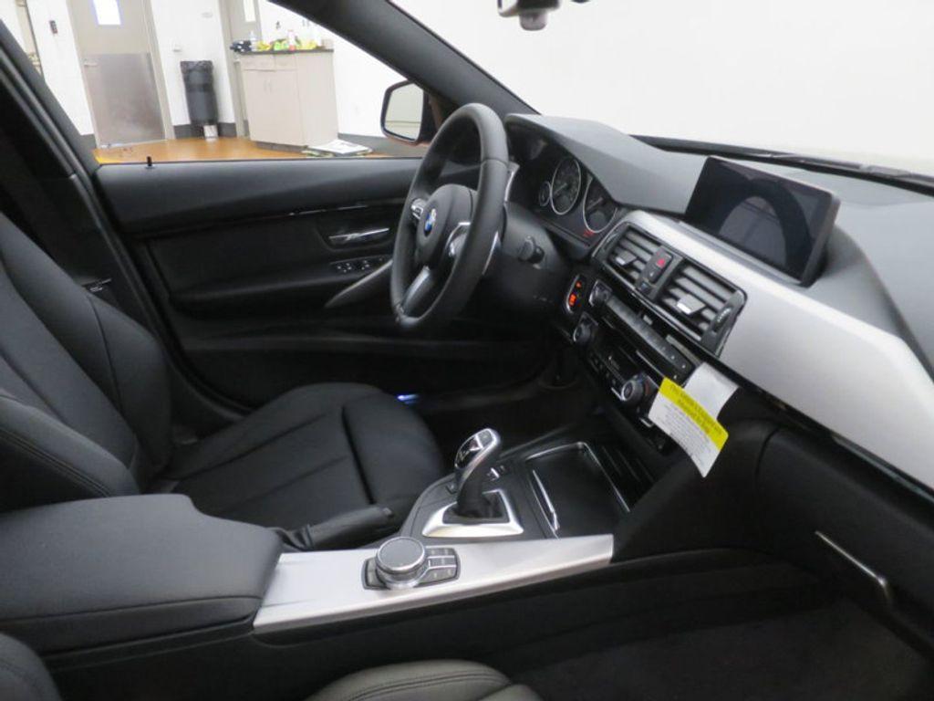 2017 BMW 3 Series 330i - 16564069 - 27