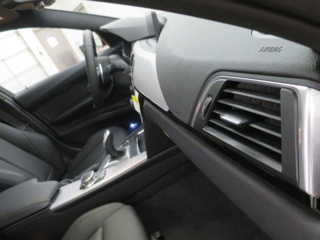 2017 BMW 3 Series 330i - 16564069 - 28