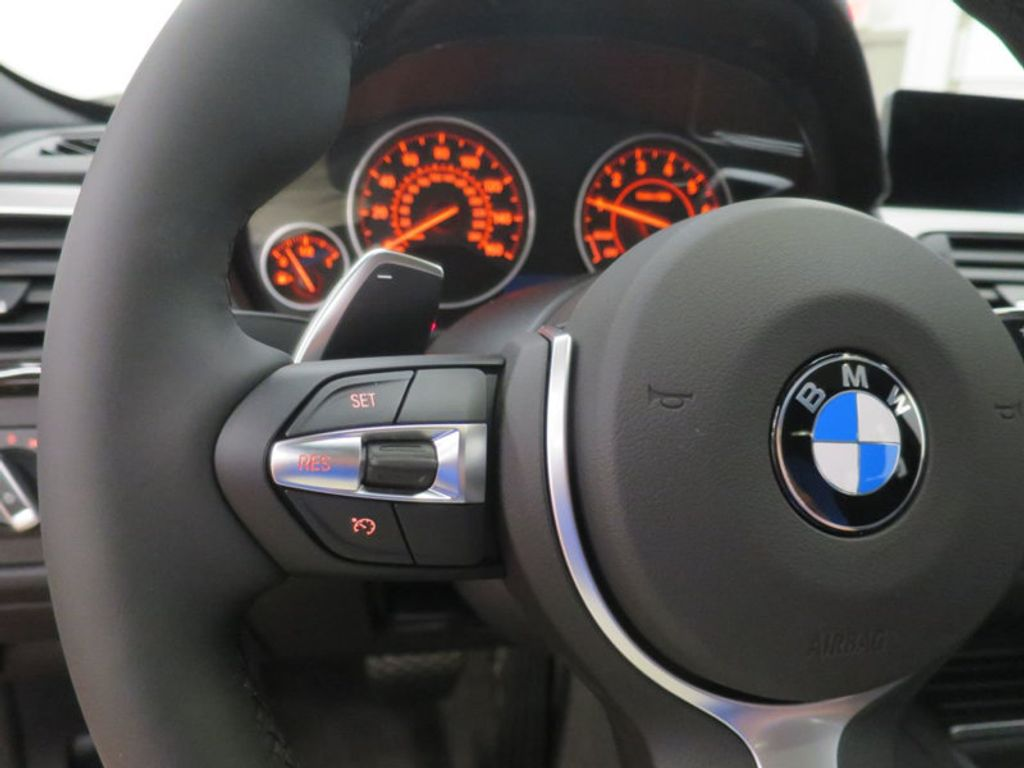 2017 BMW 3 Series 330i - 16564069 - 37