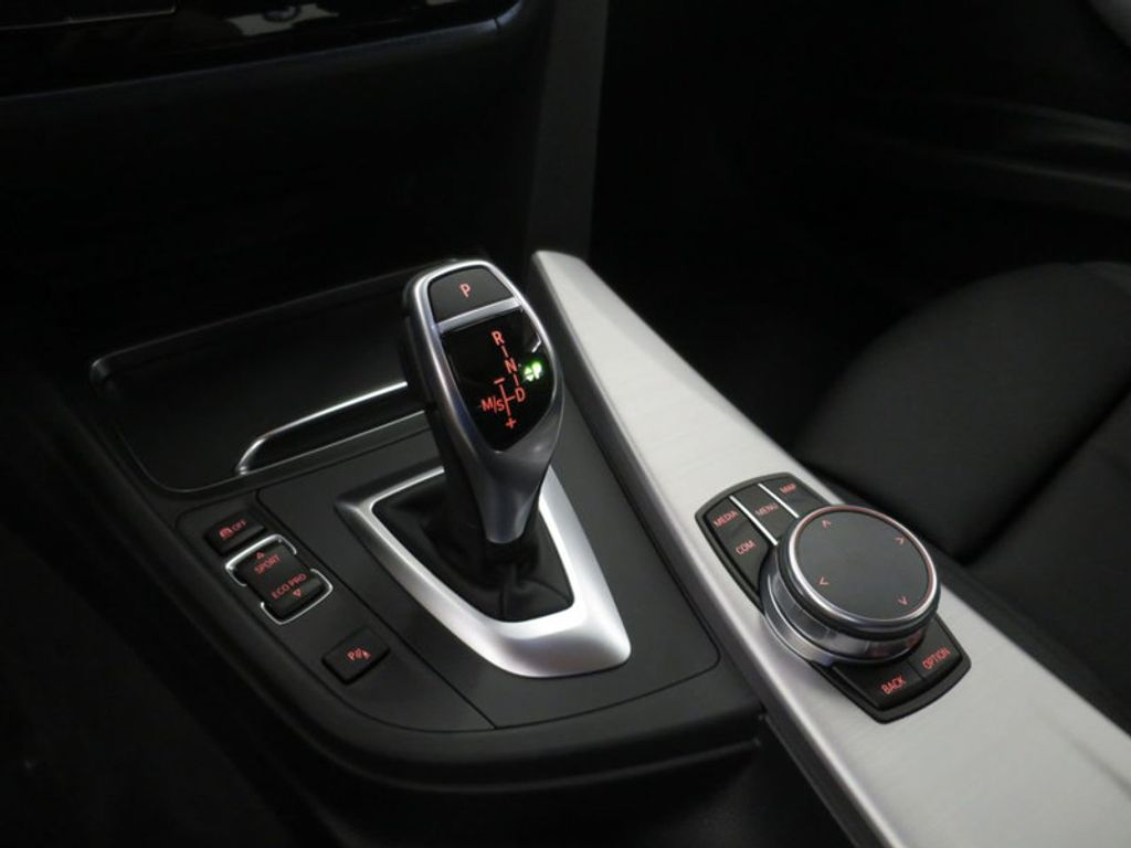 2017 BMW 3 Series 330i - 16564069 - 44