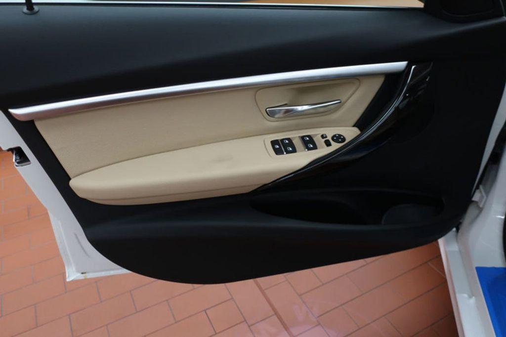 2017 BMW 3 Series 330i - 16605888 - 9