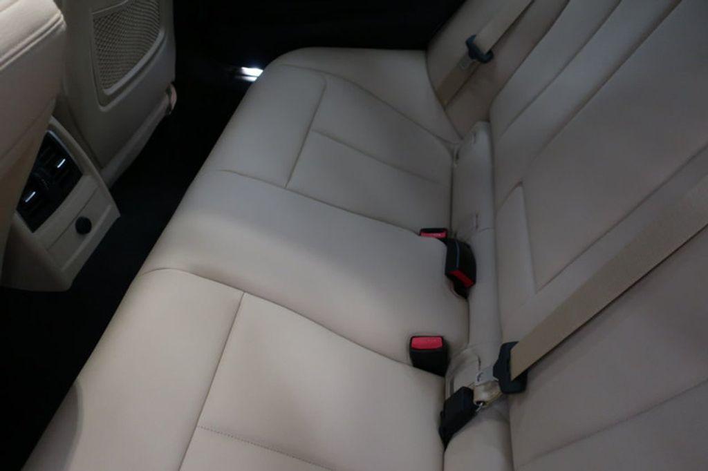 2017 BMW 3 Series 330i - 16605888 - 19