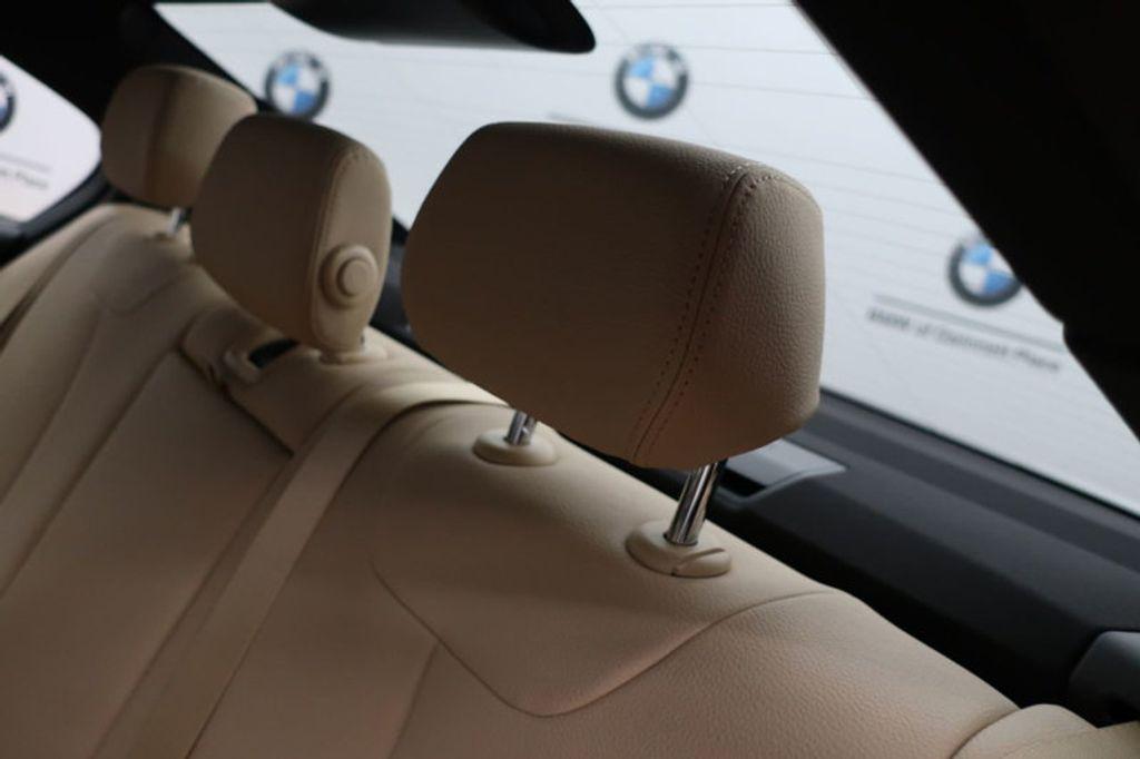 2017 BMW 3 Series 330i - 16605888 - 21