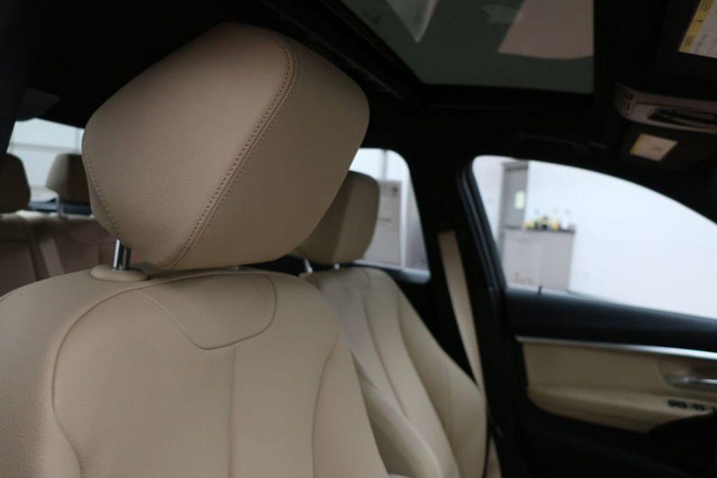2017 BMW 3 Series 330i - 16605888 - 26