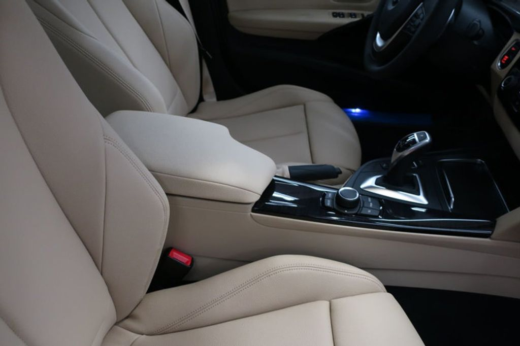 2017 BMW 3 Series 330i - 16605888 - 27