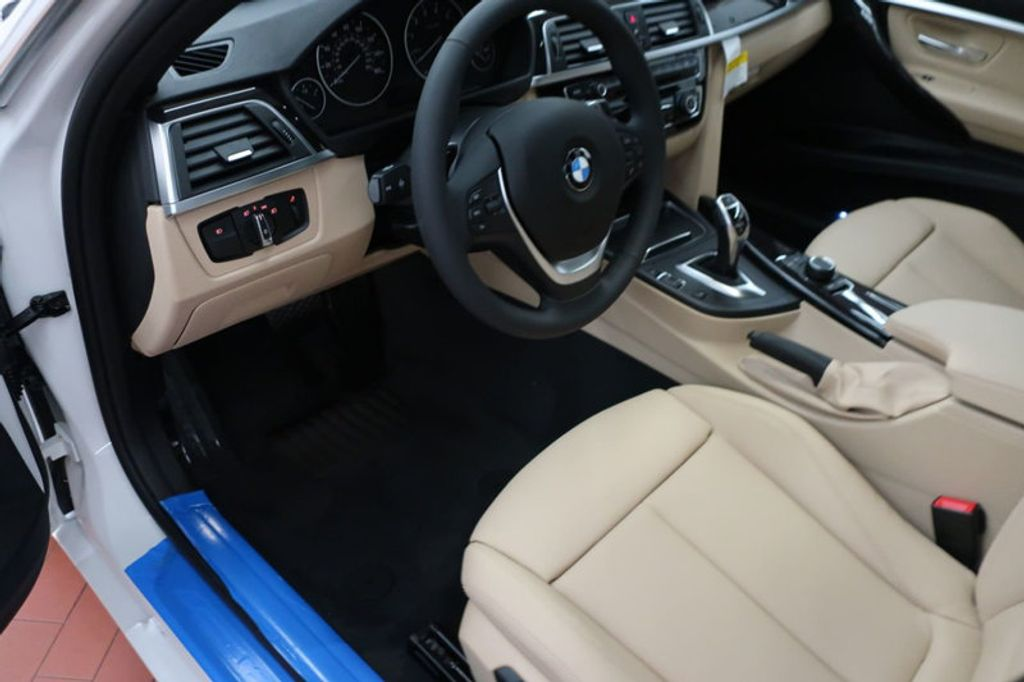 2017 BMW 3 Series 330i - 16605888 - 31