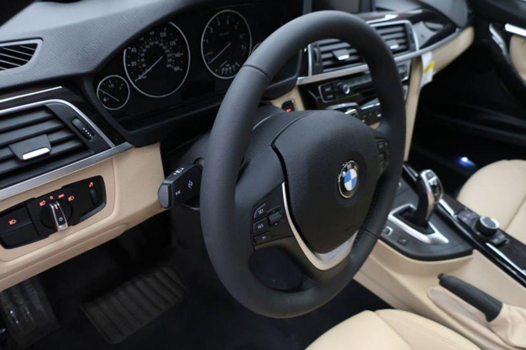 2017 BMW 3 Series 330i - 16605888 - 32
