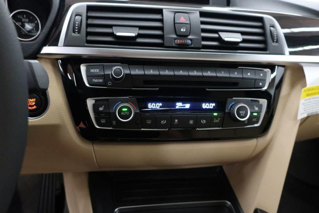 2017 BMW 3 Series 330i - 16605888 - 40