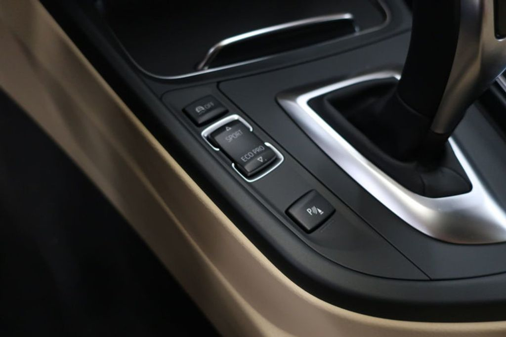 2017 BMW 3 Series 330i - 16605888 - 43