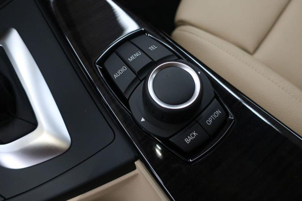 2017 BMW 3 Series 330i - 16605888 - 44