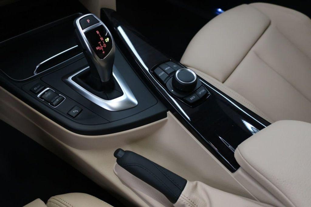 2017 BMW 3 Series 330i - 16605888 - 45