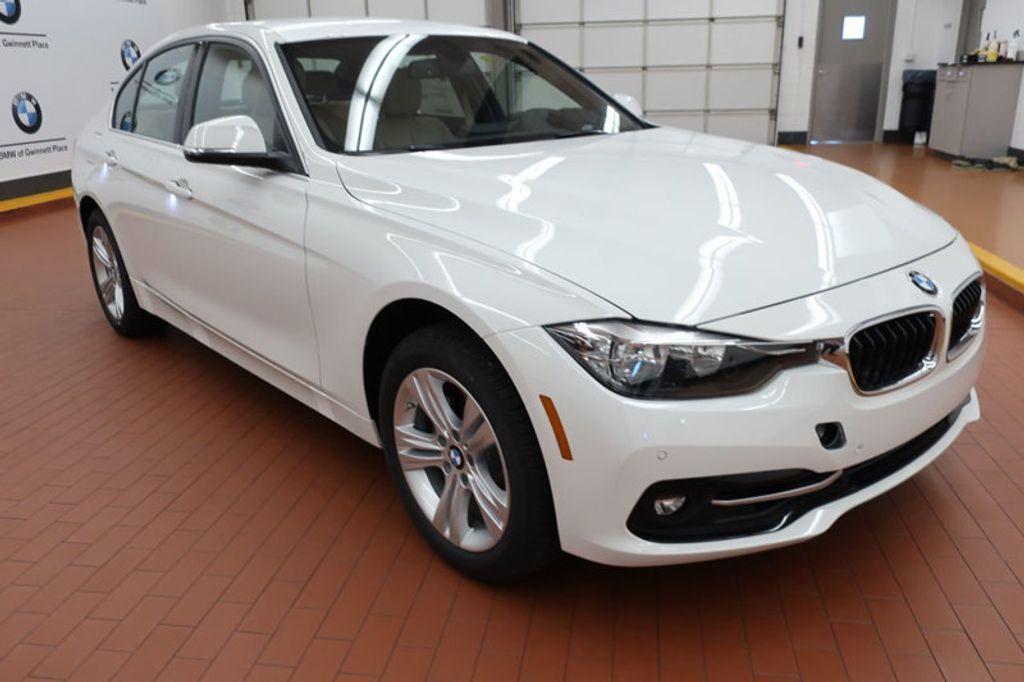 2017 BMW 3 Series 330i - 16605888 - 5