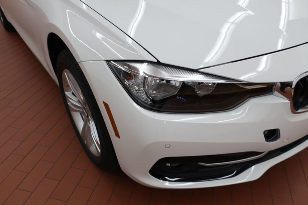 2017 BMW 3 Series 330i - 16605888 - 6