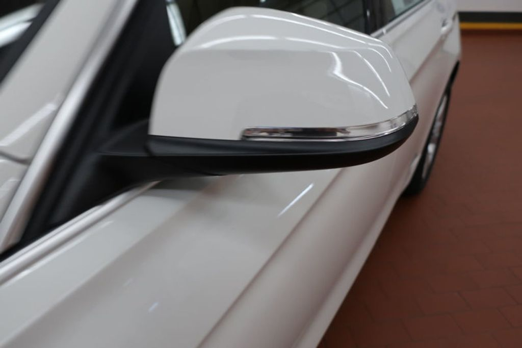2017 BMW 3 Series 330i - 16605888 - 8
