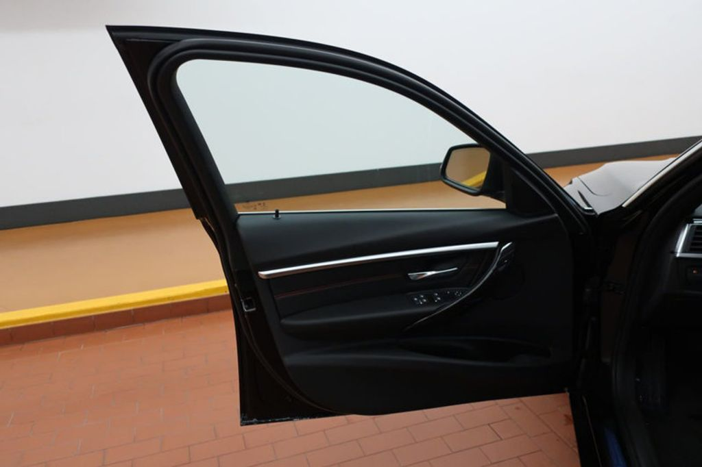2017 BMW 3 Series 330i - 16640641 - 10