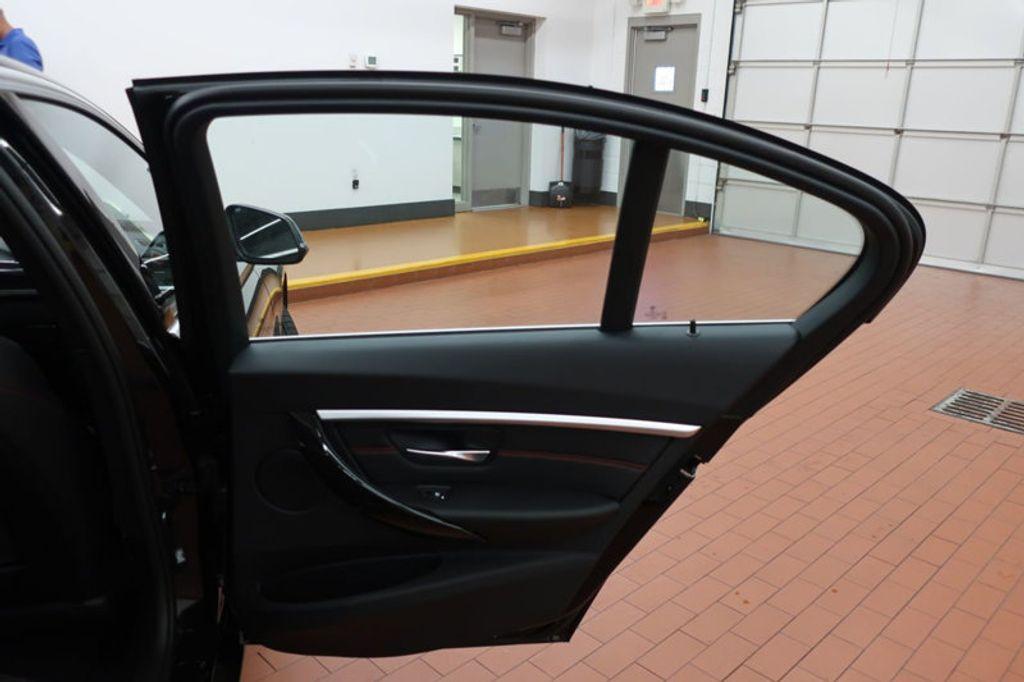 2017 BMW 3 Series 330i - 16640641 - 29
