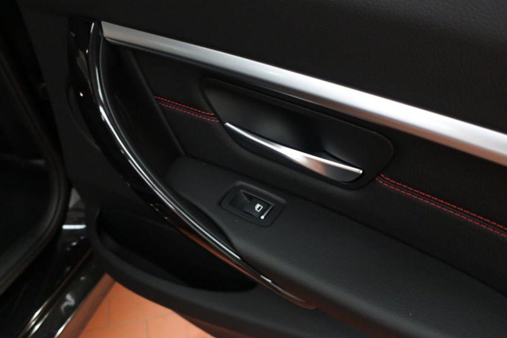 2017 BMW 3 Series 330i - 16640641 - 30