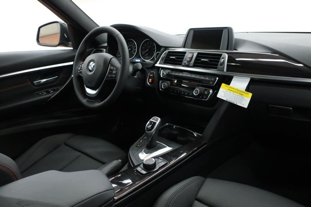 2017 BMW 3 Series 330i - 16640641 - 34