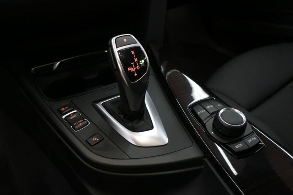 2017 BMW 3 Series 330i - 16640641 - 43