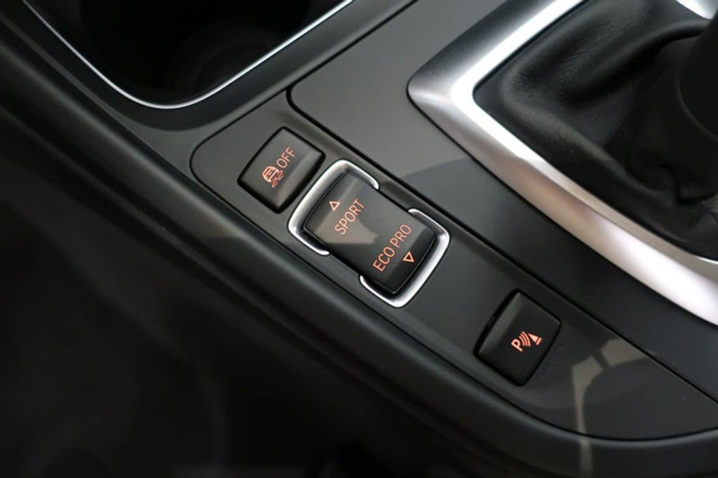 2017 BMW 3 Series 330i - 16640641 - 44