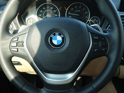 2017 BMW 3 Series 330i Sedan - Click to see full-size photo viewer