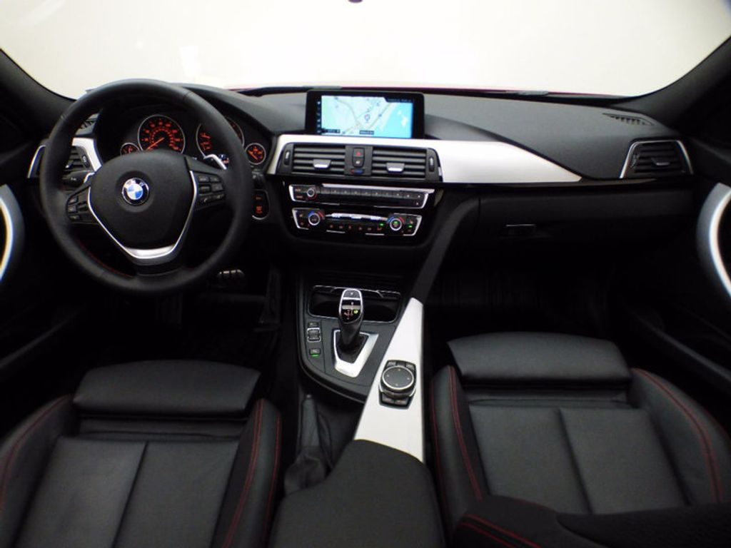 2017 BMW 3 Series 330i xDrive - 16690677 - 15