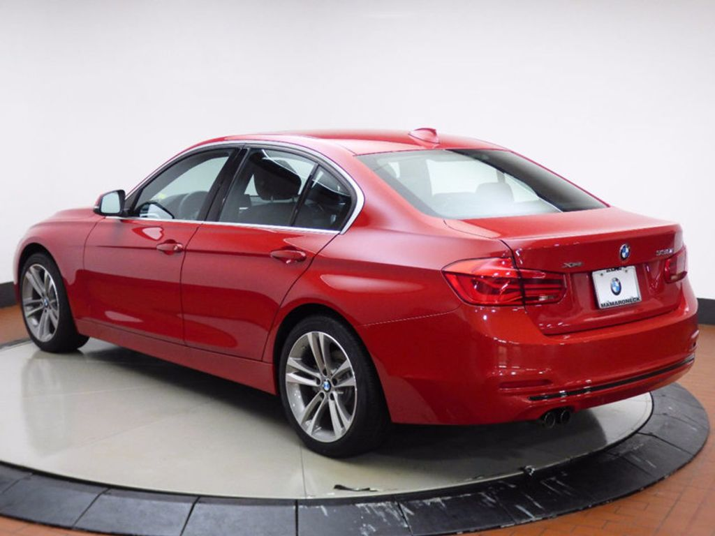 2017 BMW 3 Series 330i xDrive - 16690677 - 3