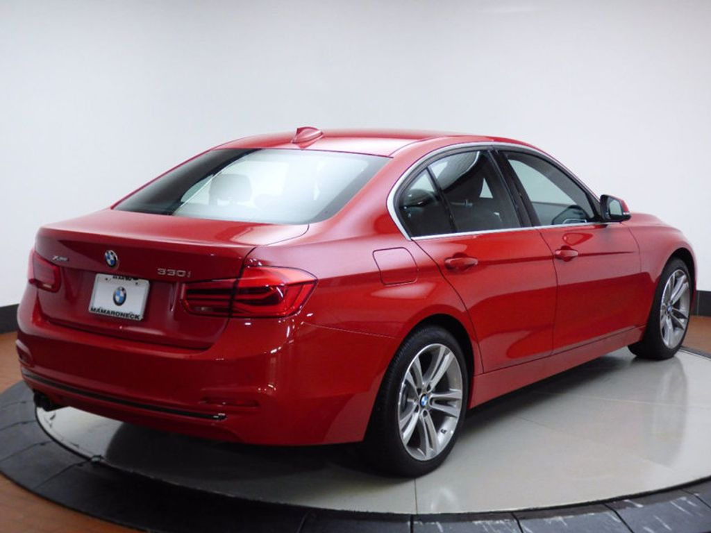 2017 BMW 3 Series 330i xDrive - 16690677 - 5