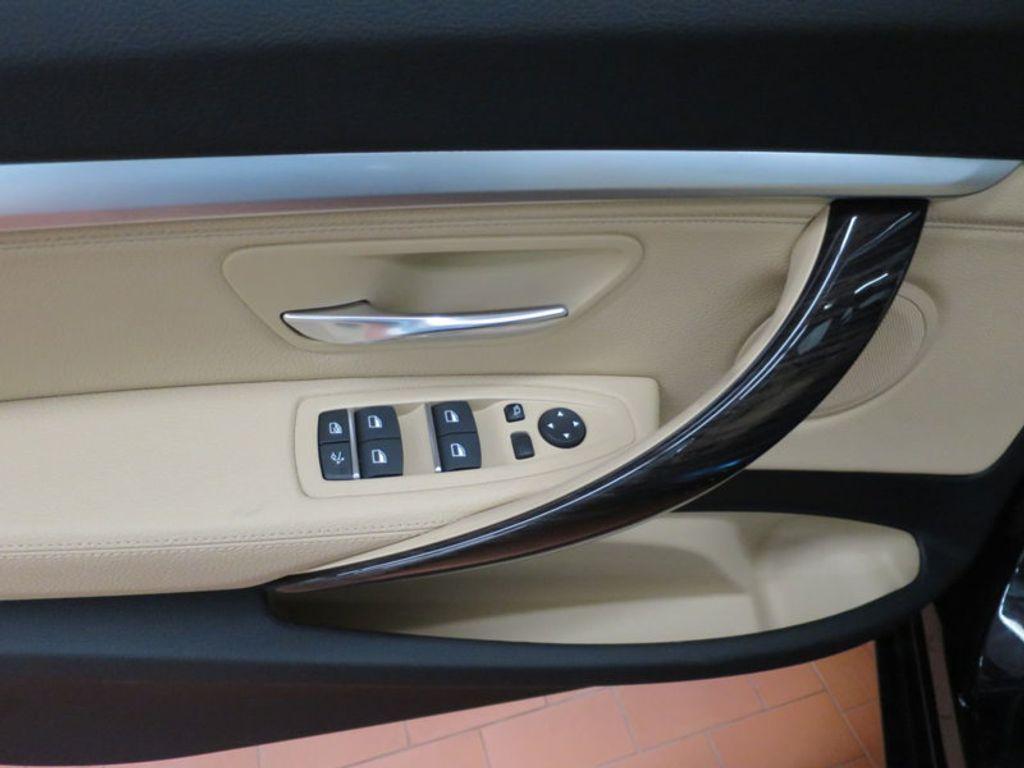 2017 BMW 3 Series 330i xDrive Gran Turismo - 15719351 - 12