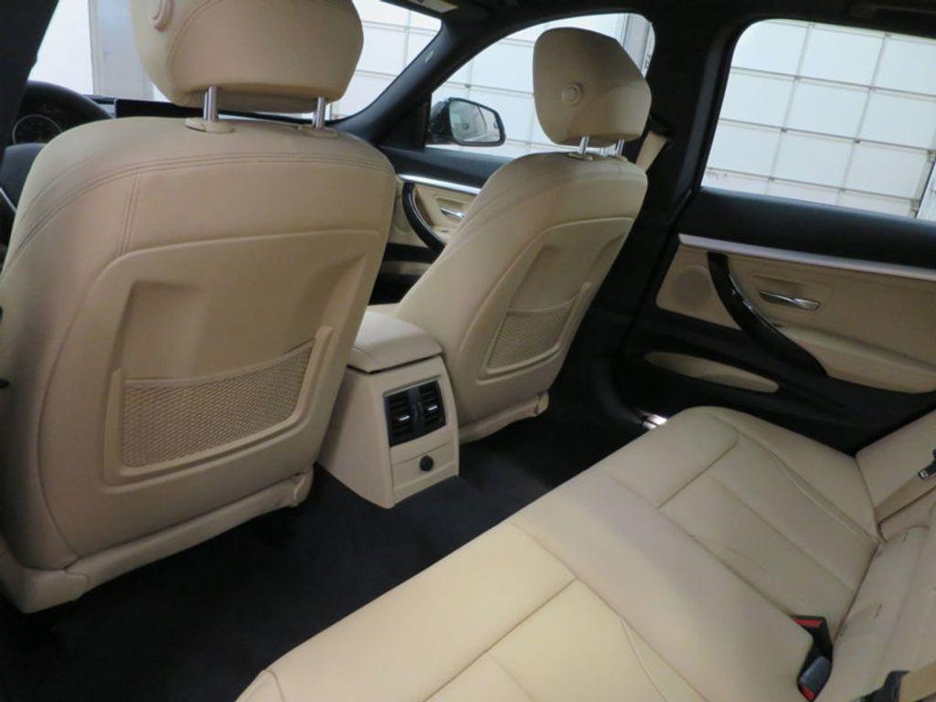 2017 BMW 3 Series 330i xDrive Gran Turismo - 15719351 - 21